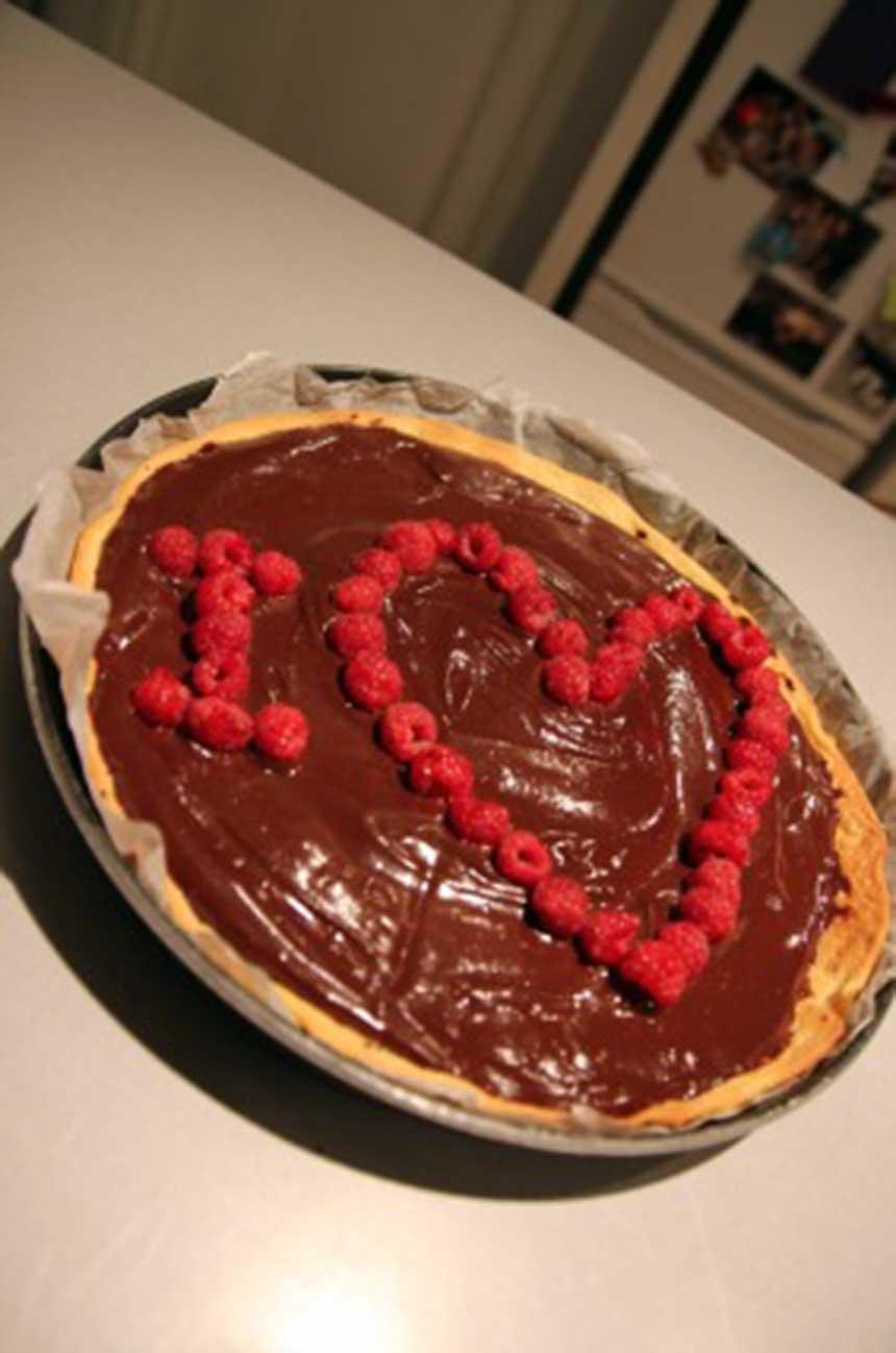 recette tarte au chocolat et framboises la cr me de th. Black Bedroom Furniture Sets. Home Design Ideas